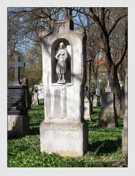 Grab der Familie Herndl auf dem Alten Südfriedhof München (März 2014)
