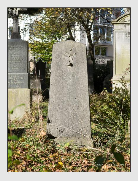 Grab der Familie Waidhaas auf dem Alten Südfriedhof München (November 2014)