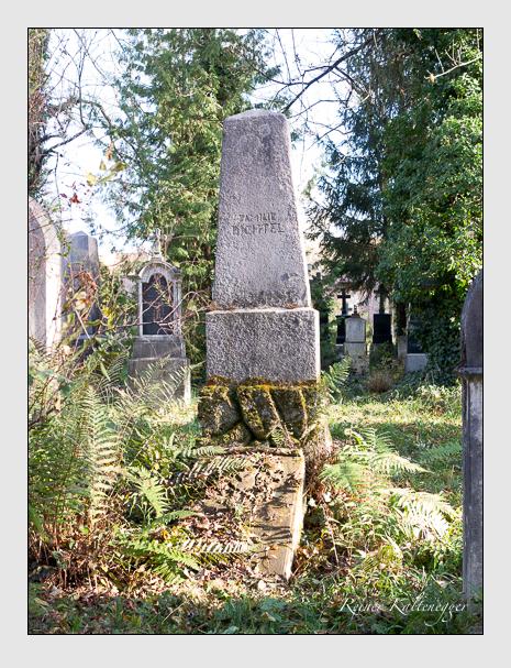 Grab der Familie Dichtel auf dem Alten Südfriedhof München (November 2014)