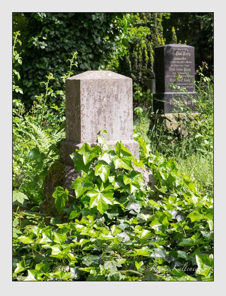 Grab der Familie Dietrich auf dem Alten Südfriedhof München (Mai 2015)