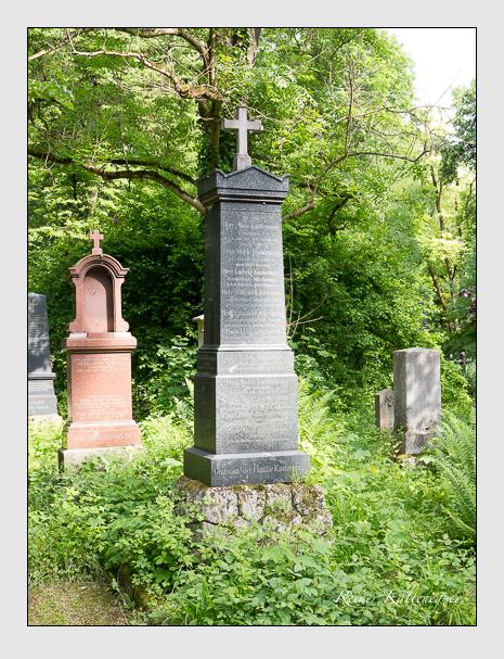 Grab der Familie Kustermann auf dem Alten Südfriedhof München (Mai 2015)