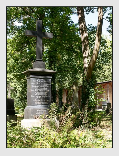 Grab der Familien Forster · Probst auf dem Alten Südfriedhof München (September 2015)