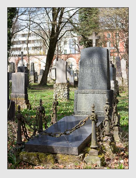 Grab der Familie Petz auf dem Alten Südfriedhof München (März 2016)