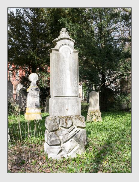 Grab der Familie Lehr auf dem Alten Südfriedhof München (März 2016)