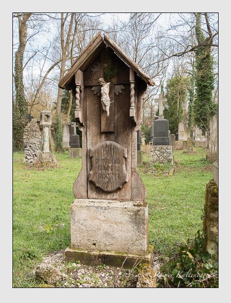 Grab der Familie Dirnagl auf dem Alten Südfriedhof München (März 2016)
