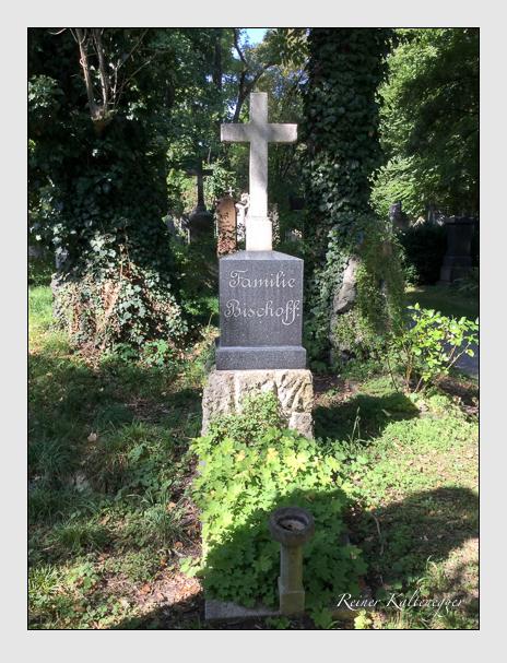 Grab der Familie Bischoff auf dem Alten Südfriedhof München (Oktober 2016)