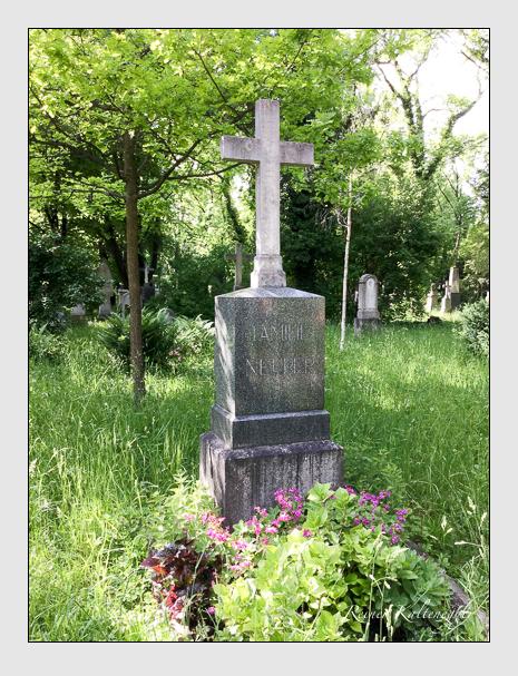 Grab der Familie Neuper auf dem Alten Südfriedhof München (Oktober 2016)