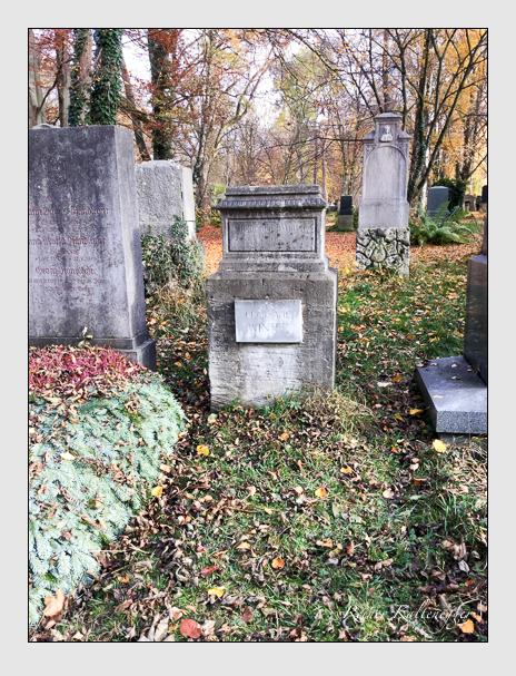 Grab der Familien Biber · Winter auf dem Alten Südfriedhof München (Dezember 2017)