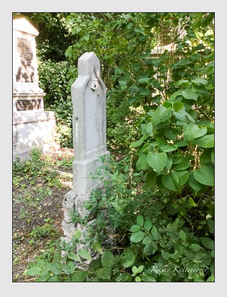 Grab der Familien Hiebl · Schuster auf dem Alten Südfriedhof München (Dezember 2017)
