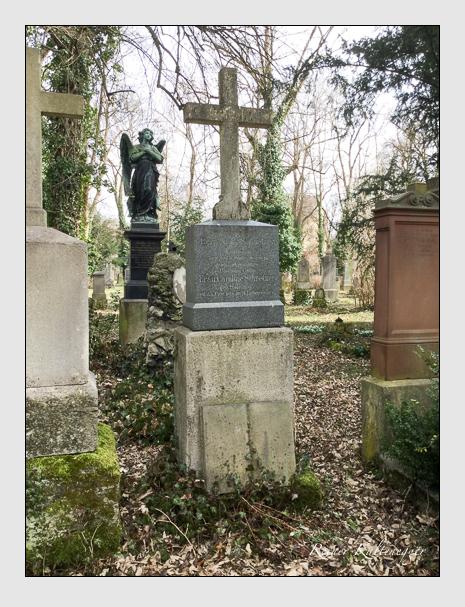 Grab der Familie Schnetzer auf dem Alten Südfriedhof München (März 2018)