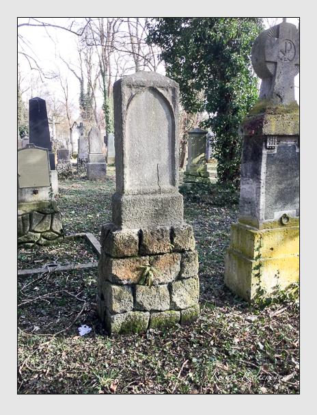 Grab der Familie Schramm auf dem Alten Südfriedhof München (März 2018)