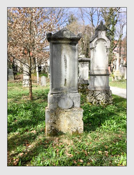 Grab der Familien Finsterlin · Juch auf dem Alten Südfriedhof München (April 2018)