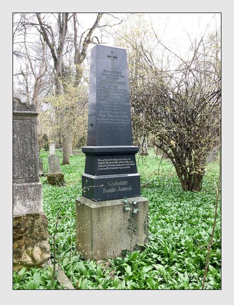 Grab der Familie Jaumann auf dem Alten Südfriedhof München (April 2018)