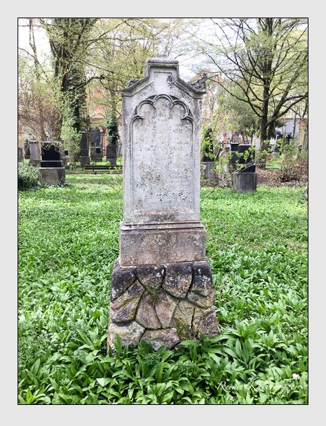 Grab der Familie Witt auf dem Alten Südfriedhof München (April 2018)