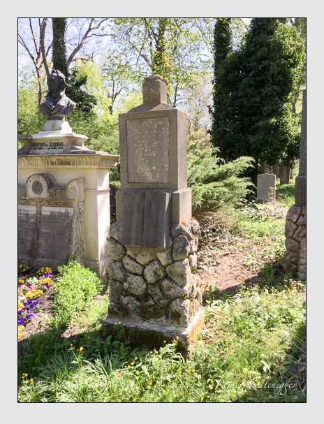 Grab der Familie Popp auf dem Alten Südfriedhof München (April 2018)