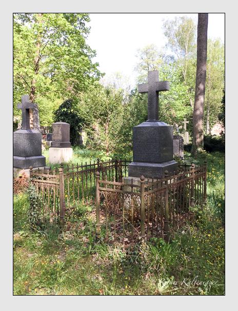 Grab der Familien Hartlieb-Walsporn · Kalb auf dem Alten Südfriedhof München (April 2018)