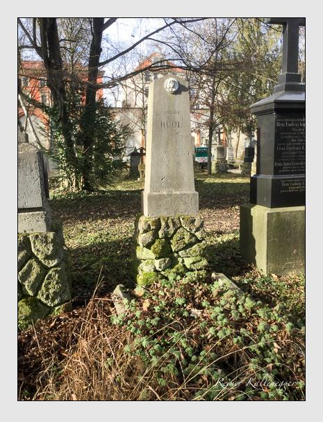 Grab der Familie Rudl auf dem Alten Südfriedhof München (Januar 2020)