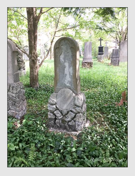 Grab der Familie Götzy auf dem Alten Südfriedhof München (April 2020)