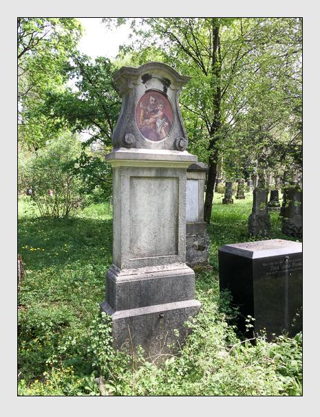 Grab der Familie Schlecht auf dem Alten Südfriedhof München (April 2020)