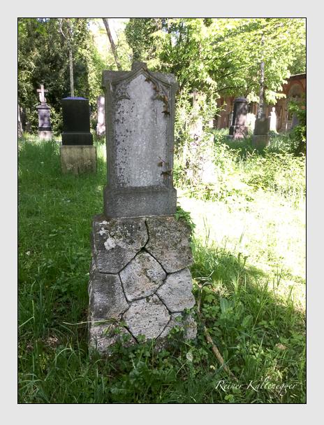 Grab der Familie Strobl auf dem Alten Südfriedhof München (Mai 2020)