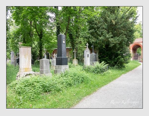 Gräber der Sektion 29 auf dem Alten Südfriedhof München: Ostseite (Mai 2020)