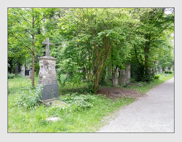 Gräber der Sektion 38 auf dem Alten Südfriedhof München: Westseite (Mai 2020)