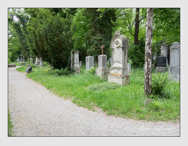 Gräber der Sektion 27 auf dem Alten Südfriedhof München: Ostseite (Mai 2020)