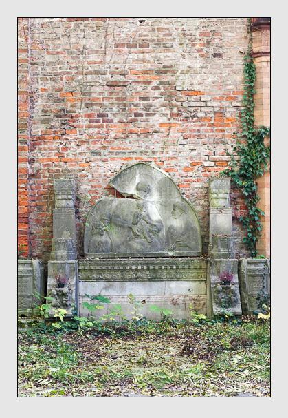 Grab der Familie Braun auf dem Alten Südfriedhof München (Oktober 2008)