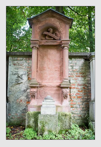 Grab der Familie Schöllhorn auf dem Alten Südfriedhof München (August 2012)