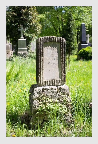 Grab der Familie Holderer auf dem Alten Südfriedhof München (Mai 2013)