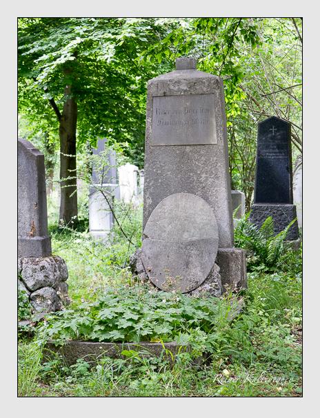 Grab der Familie Peter auf dem Alten Südfriedhof München (Juni 2020)