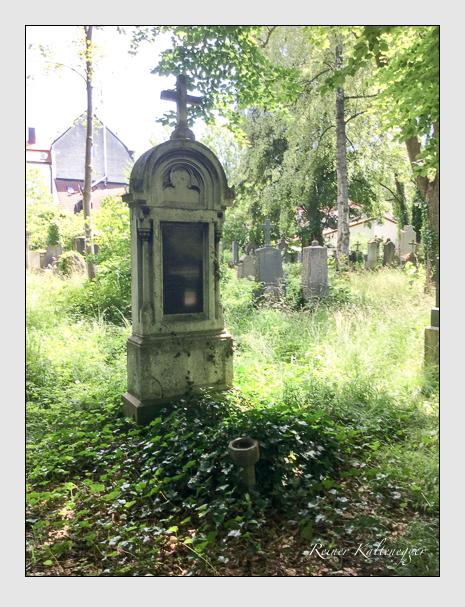 Grab der Familie Sackerer auf dem Alten Südfriedhof München (Juli 2020)