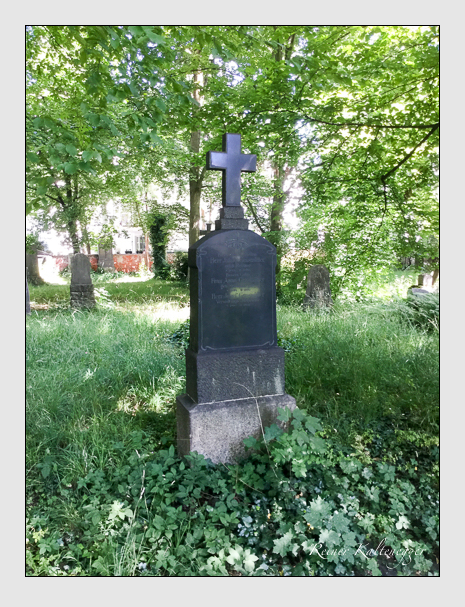 Grab der Familie Grasmüller auf dem Alten Südfriedhof München (Juli 2020)