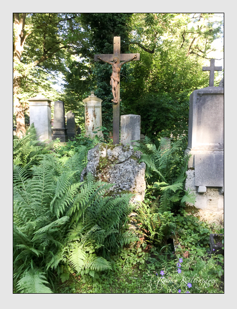 Grab der Familien Kisser · Schwarzenbach auf dem Alten Südfriedhof München (Juli 2020)