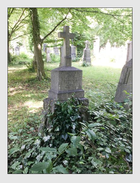 Grab der Familie Alt auf dem Alten Südfriedhof München (Juli 2020)