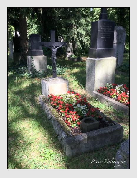 Grab der Familien Bauer · Höger · Schmeißer auf dem Alten Südfriedhof München (Juli 2020)
