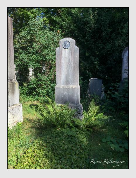 Grab der Familie Egenhofer auf dem Alten Südfriedhof München (August 2020)