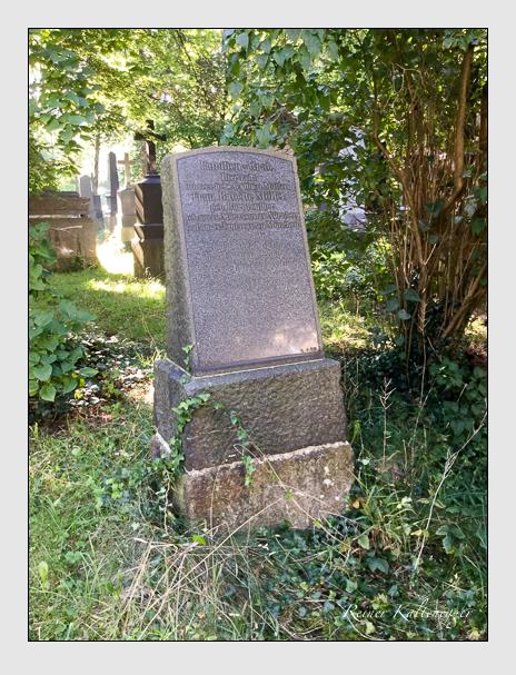 Grab der Familie Müller auf dem Alten Südfriedhof München (August 2020)
