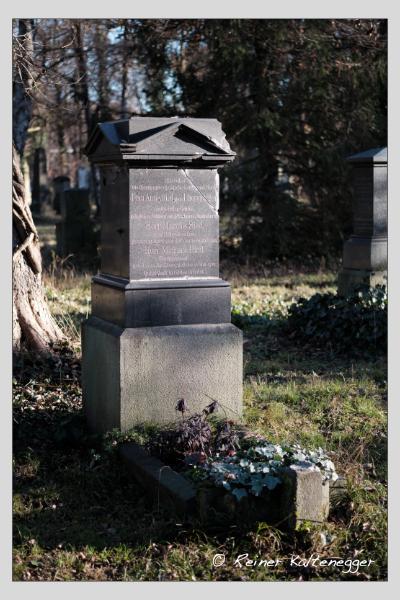 Grab der Familien Ebersperger · Ried auf dem Alten Südfriedhof München (Dezember 2020)