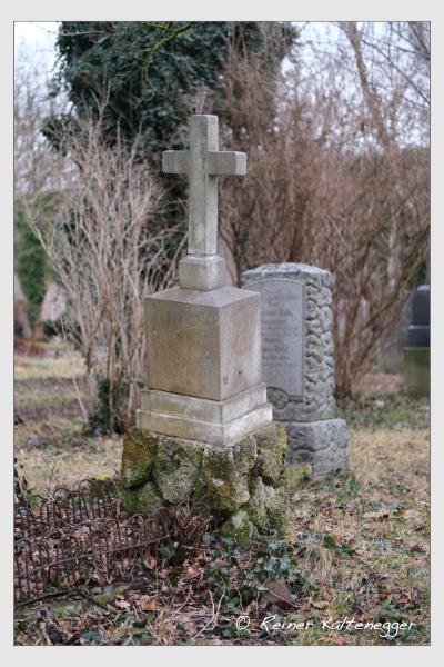Grab der Familie Steinmüller auf dem Alten Südfriedhof München (Februar 2021)