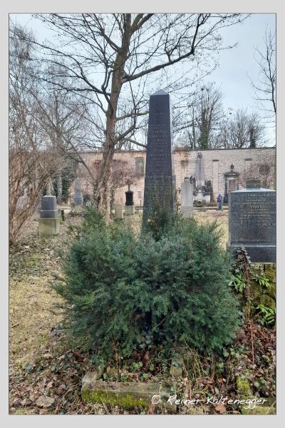 Grab der Familien Hirmer · Söllner auf dem Alten Südfriedhof München (Februar 2021)