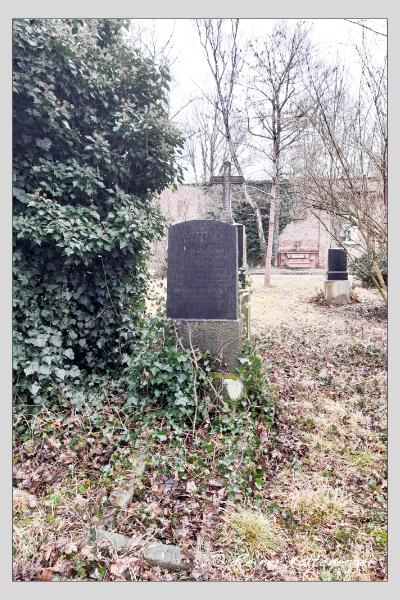 Grab der Familie Rietzschel auf dem Alten Südfriedhof München (Februar 2021)