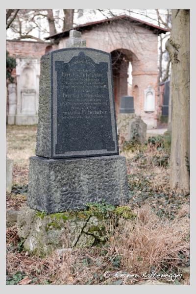 Grab der Familie Eichenseher auf dem Alten Südfriedhof München (Februar 2021)