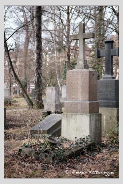Grab der Familie Arzberger auf dem Alten Südfriedhof München (Februar 2021)