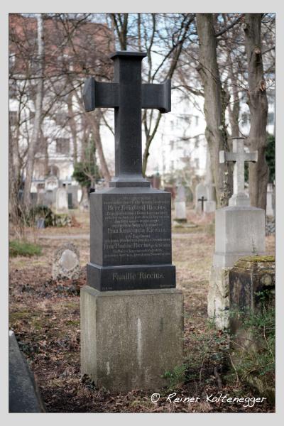 Grab der Familie Riccius auf dem Alten Südfriedhof München (Februar 2021)