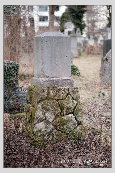 Grab der Familie Fries auf dem Alten Südfriedhof München (Februar 2021)