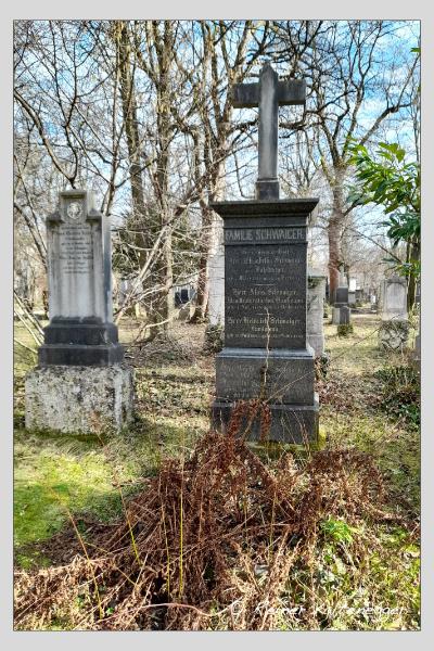 Grab der Familien König · Schwaiger auf dem Alten Südfriedhof München (Februar 2021)