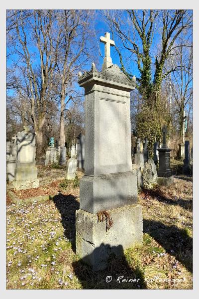 Grab der Familie Müller auf dem Alten Südfriedhof München (März 2021)
