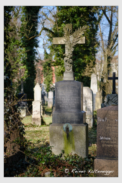 Grab der Familie Essig auf dem Alten Südfriedhof München (März 2021)