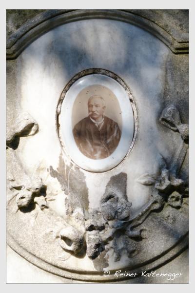 Grab der Familien Hermann · Moslechner auf dem Alten Südfriedhof München (März 2021)